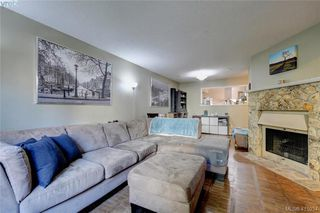 Photo 4: 1 977 Convent Pl in VICTORIA: Vi Fairfield West Row/Townhouse for sale (Victoria)  : MLS®# 825016