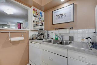 Photo 10: 1 977 Convent Place in VICTORIA: Vi Fairfield West Row/Townhouse for sale (Victoria)  : MLS®# 415934