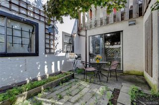 Photo 20: 1 977 Convent Place in VICTORIA: Vi Fairfield West Row/Townhouse for sale (Victoria)  : MLS®# 415934