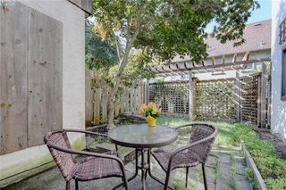 Photo 19: 1 977 Convent Place in VICTORIA: Vi Fairfield West Row/Townhouse for sale (Victoria)  : MLS®# 415934