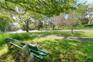 Photo 21: 1 977 Convent Pl in VICTORIA: Vi Fairfield West Row/Townhouse for sale (Victoria)  : MLS®# 825016