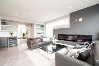 Photo 4: 2120 Cavanagh Drive in Edmonton: Zone 55 House for sale : MLS®# E4176751