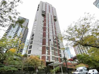 "Main Photo: 1103 867 HAMILTON Street in Vancouver: Downtown VW Condo for sale in ""JARDINE'S LOOKOUT"" (Vancouver West)  : MLS®# R2413124"