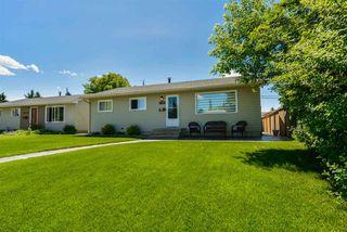 Photo 2: 15709 86 Avenue in Edmonton: Zone 22 House for sale : MLS®# E4203432