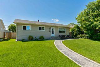 Photo 3: 15709 86 Avenue in Edmonton: Zone 22 House for sale : MLS®# E4203432