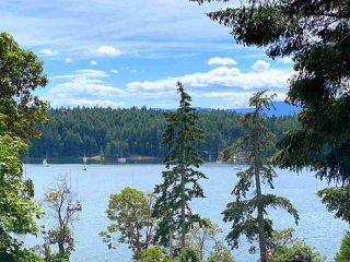 Photo 1: 20 MONTAGUE PARK Road: Galiano Island House for sale (Islands-Van. & Gulf)  : MLS®# R2477458
