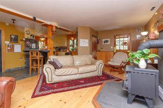 Photo 7: 285 Hector Rd in : SW Interurban House for sale (Saanich West)  : MLS®# 845681