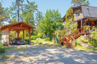 Photo 3: 285 Hector Rd in : SW Interurban House for sale (Saanich West)  : MLS®# 845681