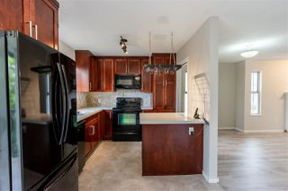 """Photo 14: 32 8716 WALNUT GROVE Drive in Langley: Walnut Grove Townhouse for sale in """"Willow Arbour"""" : MLS®# R2497573"""