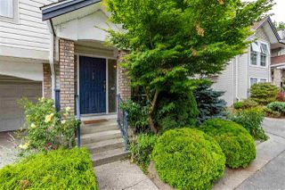 """Photo 4: 32 8716 WALNUT GROVE Drive in Langley: Walnut Grove Townhouse for sale in """"Willow Arbour"""" : MLS®# R2497573"""