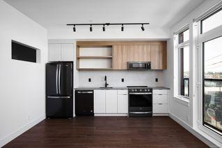 Photo 3: 417 515 Chatham St in : Vi Downtown Condo for sale (Victoria)  : MLS®# 860442