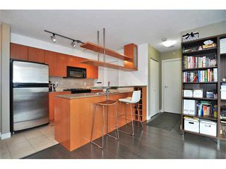 """Photo 2: 505 1495 RICHARDS Street in Vancouver: False Creek North Condo for sale in """"AZURA TWO"""" (Vancouver West)  : MLS®# V870197"""