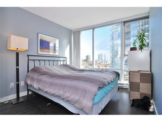 "Photo 7: 505 1495 RICHARDS Street in Vancouver: False Creek North Condo for sale in ""AZURA TWO"" (Vancouver West)  : MLS®# V870197"