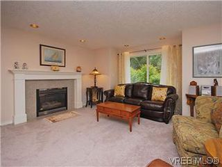 Photo 2: 2390 Halcyon Place in VICTORIA: CS Tanner Single Family Detached for sale (Central Saanich)  : MLS®# 299429