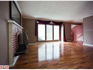 "Photo 3: 8720 151 Street in Surrey: Bear Creek Green Timbers House for sale in ""Fleetwood"" : MLS®# F1125086"