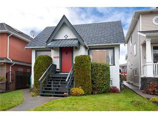 Photo 1: 2761 E 7TH Avenue in Vancouver: Renfrew VE House for sale (Vancouver East)  : MLS®# V920668