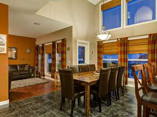 Photo 6: 150 CRESTRIDGE Way SW in CALGARY: Crestmont Residential Detached Single Family for sale (Calgary)  : MLS®# C3595084