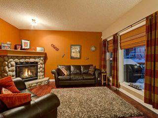 Photo 4: 150 CRESTRIDGE Way SW in CALGARY: Crestmont Residential Detached Single Family for sale (Calgary)  : MLS®# C3595084