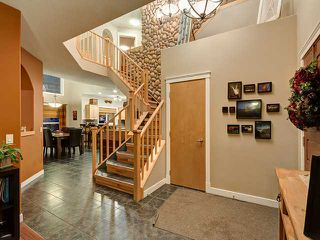 Photo 2: 150 CRESTRIDGE Way SW in CALGARY: Crestmont Residential Detached Single Family for sale (Calgary)  : MLS®# C3595084