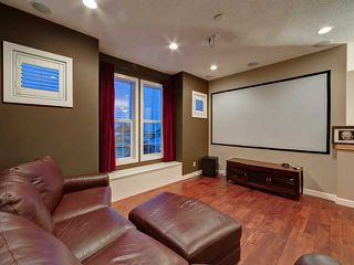 Photo 15: 150 CRESTRIDGE Way SW in CALGARY: Crestmont Residential Detached Single Family for sale (Calgary)  : MLS®# C3595084