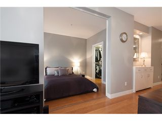 "Photo 9: 205 205 E 10TH Avenue in Vancouver: Mount Pleasant VE Condo for sale in ""THE HUB"" (Vancouver East)  : MLS®# V1056484"