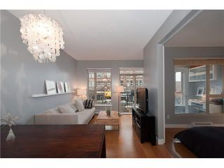 "Photo 4: 205 205 E 10TH Avenue in Vancouver: Mount Pleasant VE Condo for sale in ""THE HUB"" (Vancouver East)  : MLS®# V1056484"