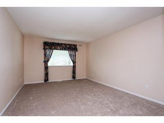 """Photo 11: 5 9012 WALNUT GROVE Drive in Langley: Walnut Grove Townhouse for sale in """"QUEEN ANNE GREEN"""" : MLS®# F1413669"""
