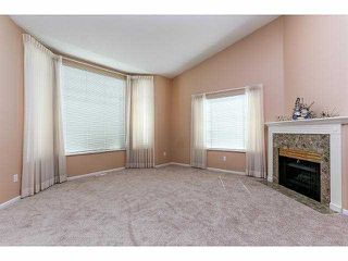 """Photo 2: 5 9012 WALNUT GROVE Drive in Langley: Walnut Grove Townhouse for sale in """"QUEEN ANNE GREEN"""" : MLS®# F1413669"""