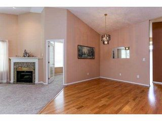 """Photo 3: 5 9012 WALNUT GROVE Drive in Langley: Walnut Grove Townhouse for sale in """"QUEEN ANNE GREEN"""" : MLS®# F1413669"""