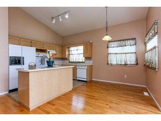 """Photo 5: 5 9012 WALNUT GROVE Drive in Langley: Walnut Grove Townhouse for sale in """"QUEEN ANNE GREEN"""" : MLS®# F1413669"""