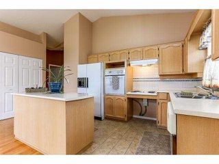 """Photo 6: 5 9012 WALNUT GROVE Drive in Langley: Walnut Grove Townhouse for sale in """"QUEEN ANNE GREEN"""" : MLS®# F1413669"""
