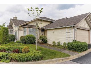 """Photo 1: 5 9012 WALNUT GROVE Drive in Langley: Walnut Grove Townhouse for sale in """"QUEEN ANNE GREEN"""" : MLS®# F1413669"""