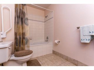 """Photo 13: 5 9012 WALNUT GROVE Drive in Langley: Walnut Grove Townhouse for sale in """"QUEEN ANNE GREEN"""" : MLS®# F1413669"""
