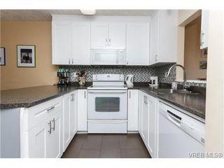Photo 3: 10 4350 West Saanich Rd in VICTORIA: SW Royal Oak Row/Townhouse for sale (Saanich West)  : MLS®# 684838