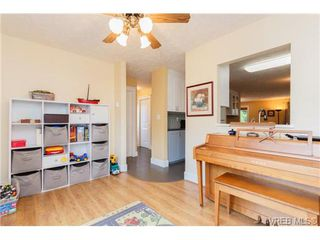 Photo 9: 10 4350 West Saanich Rd in VICTORIA: SW Royal Oak Row/Townhouse for sale (Saanich West)  : MLS®# 684838