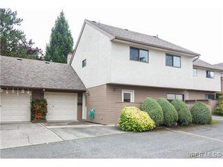 Photo 2: 10 4350 West Saanich Rd in VICTORIA: SW Royal Oak Row/Townhouse for sale (Saanich West)  : MLS®# 684838