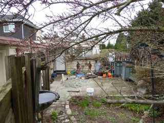 Photo 3: 4325 PENTICTON Street in Vancouver: Collingwood VE House for sale (Vancouver East)  : MLS®# R2049414