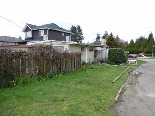Photo 2: 4325 PENTICTON Street in Vancouver: Collingwood VE House for sale (Vancouver East)  : MLS®# R2049414
