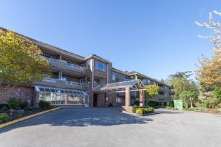 "Main Photo: 304 2239 152 Street in Surrey: Sunnyside Park Surrey Condo for sale in ""Semiahmoo Estates"" (South Surrey White Rock)  : MLS®# R2053831"