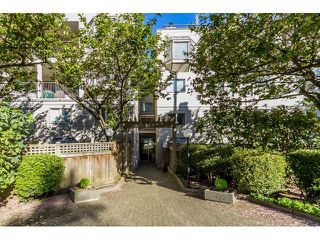 "Photo 2: 208 737 HAMILTON Street in New Westminster: Uptown NW Condo for sale in ""THE COURTYARD"" : MLS®# R2060050"