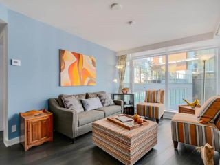 "Photo 3: 905 1372 SEYMOUR Street in Vancouver: Downtown VW Condo for sale in ""THE MARK"" (Vancouver West)  : MLS®# R2077192"