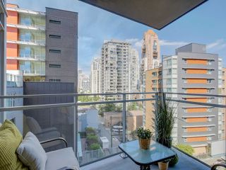 "Photo 13: 905 1372 SEYMOUR Street in Vancouver: Downtown VW Condo for sale in ""THE MARK"" (Vancouver West)  : MLS®# R2077192"