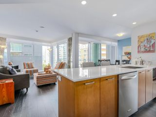 "Photo 2: 905 1372 SEYMOUR Street in Vancouver: Downtown VW Condo for sale in ""THE MARK"" (Vancouver West)  : MLS®# R2077192"