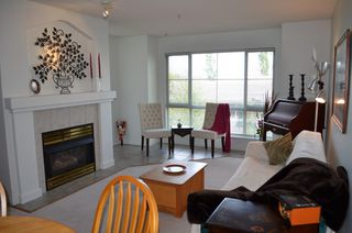"Photo 4: 229 19528 FRASER Highway in Surrey: Cloverdale BC Condo for sale in ""FAIRMONT"" (Cloverdale)  : MLS®# R2087979"