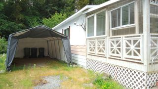"Photo 2: 147 1830 MAMQUAM Road in Squamish: Garibaldi Estates Manufactured Home for sale in ""Timber Town"" : MLS®# R2098766"