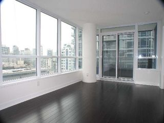 Photo 4: 3909 295 W Adelaide Street in Toronto: Waterfront Communities C1 Condo for lease (Toronto C01)  : MLS®# C3619613