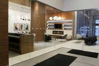 Photo 3: 3909 295 W Adelaide Street in Toronto: Waterfront Communities C1 Condo for lease (Toronto C01)  : MLS®# C3619613