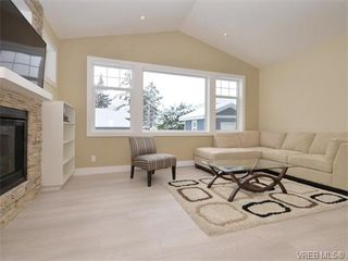 Photo 4: 799 Stellys Cross Rd in BRENTWOOD BAY: CS Brentwood Bay House for sale (Central Saanich)  : MLS®# 750218