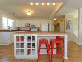 Photo 4: 517 Deerwood Pl in COMOX: CV Comox (Town of) House for sale (Comox Valley)  : MLS®# 754894
