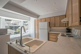 """Photo 11: 9263 GOLDHURST Terrace in Burnaby: Forest Hills BN Townhouse for sale in """"COPPER HILL"""" (Burnaby North)  : MLS®# R2171039"""